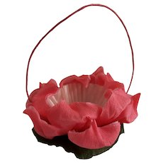 """Vintage Crepe Paper """"Water Lily"""" floral craft, Party Favor Decoration, Candy/Nut Cup holder"""