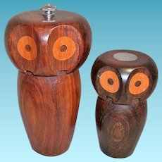 Vintage Wooden Owl Pepper Grinder and Salt Shaker Set