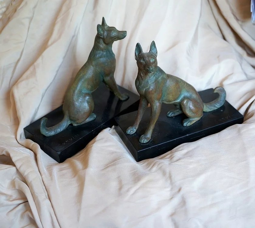 french art deco louis carvin alsatian german shepherd bookends a pair la petite cerise. Black Bedroom Furniture Sets. Home Design Ideas