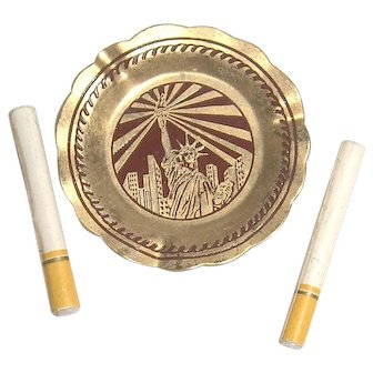 Dollhouse Miniature Statue of Liberty Ashtray and Cigarettes