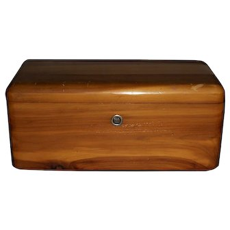 Lane Miniature Cedar Chest Presentation Box from Daymond's, Guelph, Ont.