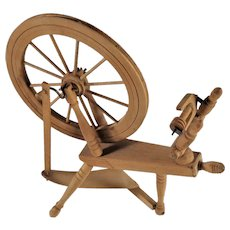 Working Miniature Spinning Wheel Fait au Quebec