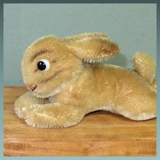 "Reclining Steiff Bunny 6 1/2"" x 2 1/2"" Glass Googly Eyes & Swivel Neck"