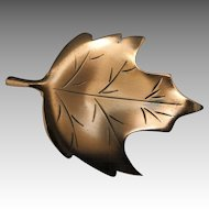 Leaf pin Copper Hand made Maple Canadian