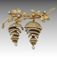Vendome pin and Earrings Gold tone Bunch of GRAPES