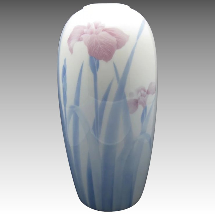 Fukagawa Japanese Porcelain Vase Iris In The Mist Unsigned Beauty