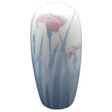 Fukagawa Japanese Porcelain Vase Iris in the mist