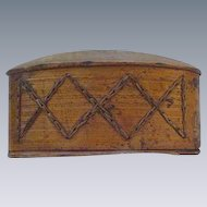 Oval Wood Box with Diamond-Shaped Chain Decoration