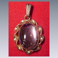 Lang Pendant w Oval Cabochon Stone, Goldtone Twisted Rope Setting