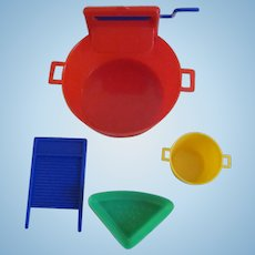 """Hard Plastic Toy Wringer Wash  Tub with 3 Accessories for Your 8-10"""" Doll"""