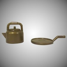 "Marx 1"" Gold Hard Plastic Tea Kettle and Griddle Dollhouse Accessories"
