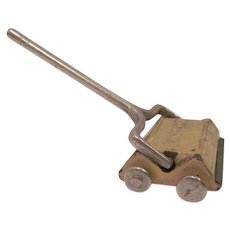 "Kilgore 1"" Sally Ann Carpet Sweeper Dollhouse Accessory"