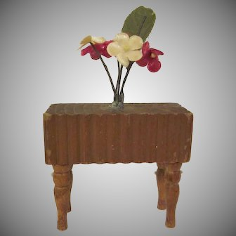 """Kage 3/4"""" Planter with Turned Legs and Cloth Flowers Dollhouse Miniature Furniture"""