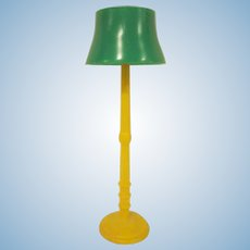 "Marx 3/4"" Hard Plastic Yellow Floor Lamp with Green Shade Dollhouse Miniature Accessory"