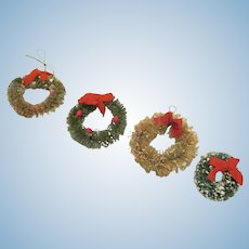 "Vintage Bottle Brush Wreath Christmas Decoration for the Dollhouse Accessory 1-1/2"" Diameter Have 4"
