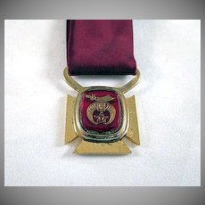 Shriner's Clip on Tie with Medallion