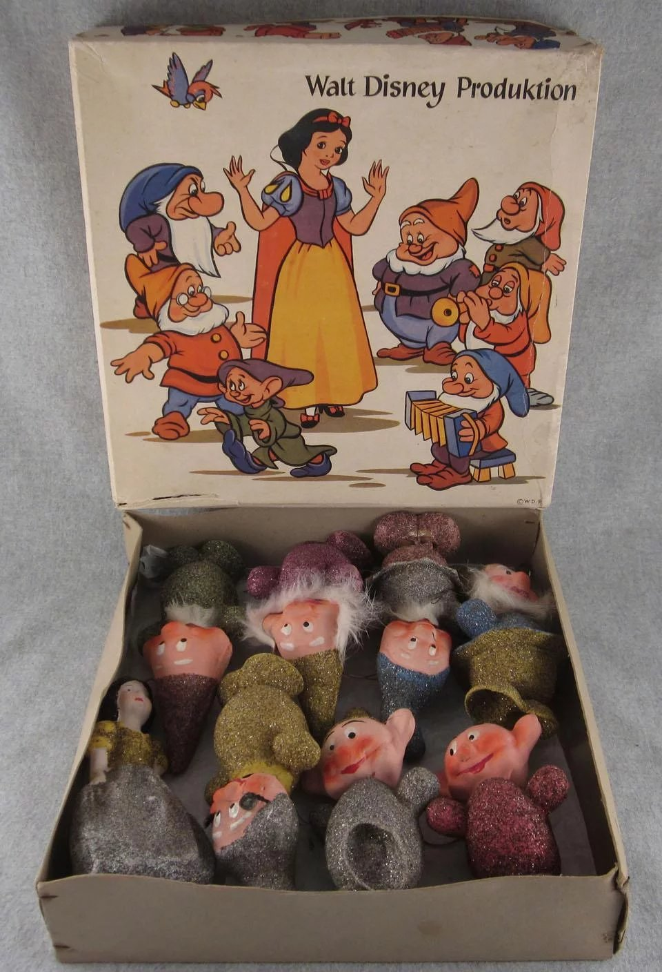 Complete Snow White And The Seven Dwarfs Candy Containers