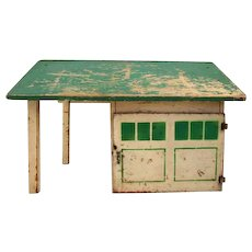 HOLD Arcade Wooden Garage & Filling Station for Cast iron Vehicles HTF