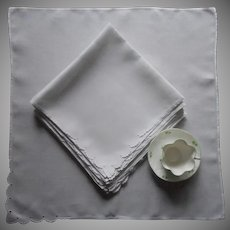 Large 1950s Napkins Madeira Fine Linen Scalloped Cutwork Corner Set 10