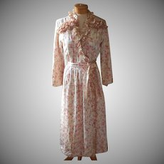 Vintage 1940s Robe Quilted Padded Floral Satin Ruffled