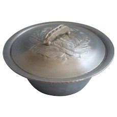 Vintage Aluminum Figural Pea Pod Handle Vebetable Dish Lid Everlast - Red Tag Sale Item