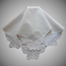Antique 1910s Filet Lace Butterflies Linen Tea Tablecloth Topper
