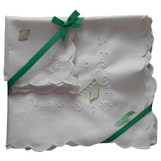 Irish Linen Hand Embroidered Unused Luncheon or Tea Tablecloth Napkins Set