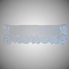 Antique Filet Crocheted Lace Roses Little Vanity Scarf Doily