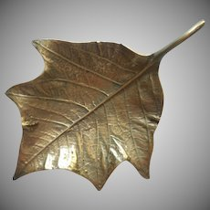 Virginia Metalcrafters Vintage Brass Poinsettia Leaf Dish