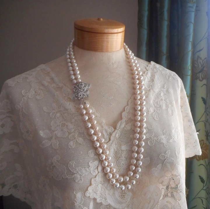 ba1a41d5b1a65a Vintage Deltah Glass Faux Pearls Necklace Ornate Rhinestone Clasp First  Lady Collection