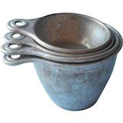 Vintage Ekco Aluminum Measuring Cups Set 4 Tab Handle Nesting