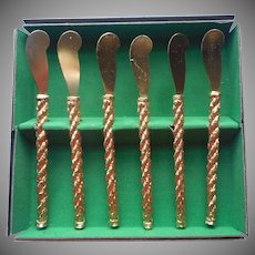 1960s Pate Cocktail Part Spreader Knives The Bucklers Fifth Avenue Gold Plated Ornate