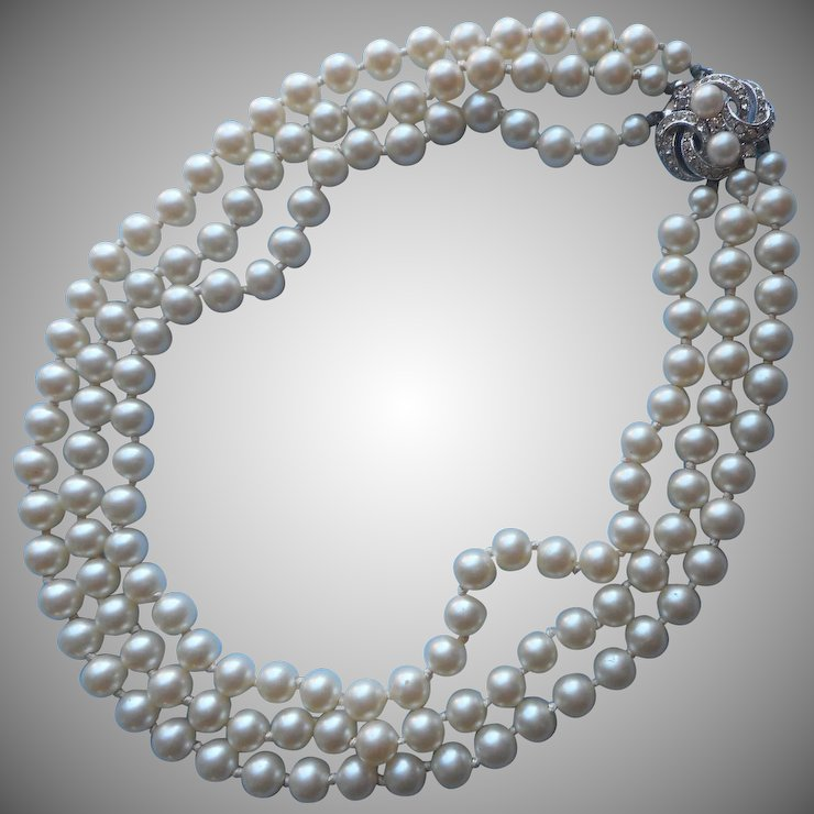 Vintage Pearls Necklace Selection