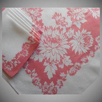 Vintage Tablecloth Napkins Set Pink White Printed Linen Blend Dahlias