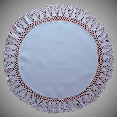 Antique Centerpiece Linen Crocheted Lace Round Table Topper TLC