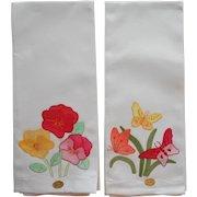 Vintage Guest Towels Pair Unused Appliqued Hand Embroidered
