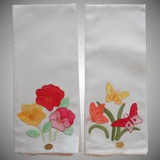 Vintage Guest Towels Pair Unused Appliqued Hand Embroidered