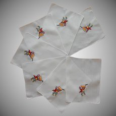 Cocktail Napkins Footman Carrying Punch Bowl Vintage Hand Embroidered Linen