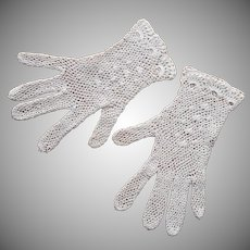 Crocheted Lace Gloves Vintage Medium White