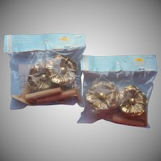 Curtain Holdbacks Rosettes Gold Flowers 2 Pairs Plastic Lightweight Unused