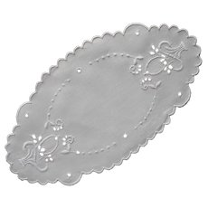 Bread Tray Doily Vintage Linen Cutwork Hand Embroidery Baskets