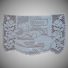 Puppies Vintage 1930s Crocheted Filet Lace Antimacassar Doily