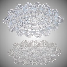 Small Bread Tray Doilies Doily Bobbin Lace Vintage