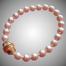 Nolan Miller Faux Pearls Bracelet Vintage Egg Clasp Faux Sapphires
