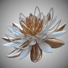 Vintage Pin 3D Water Lily Gold Summer White Sarah Coventry