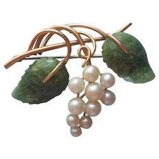 Cultured Pearl Jade Pin Vintage Krementz Leaves Grapes