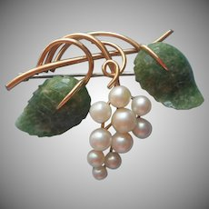 Cultured Pearl Jade Pin Vintage Krementz Leaves Grapes