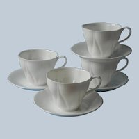 Royal Albert Morning Star 4 Cups Saucers Vintage English Bone China