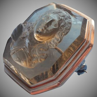Antique Quartz Cameo 14K Gold Pin High Profile Heavy Handsome