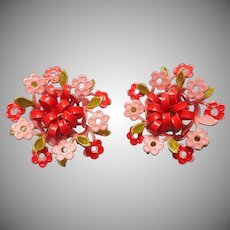 1960s Frilly Metal Painted Flower Clip Earrings Vintage Coral Peach Green Paint